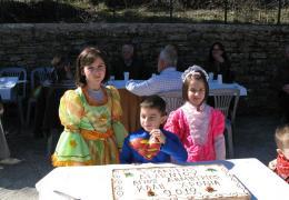 είκονα από τήν κοπή πίττας 2012