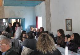εικόνα από τήν κοπή πίττας Διχούνι 2013